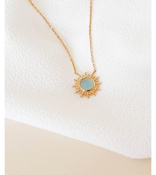 """Collier """"soleil"""" en plaqué or avec en son centre une agate bleue (longueur 45 cm réglable à 42 et 40 cm)"""