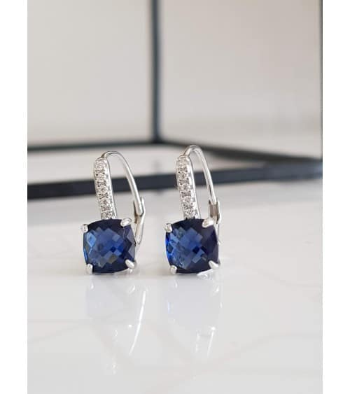 Boucles d'oreilles en argent 925/1000 rhodié avec un carré serti d'oxydes de zirconium blancs et un teinté bleu