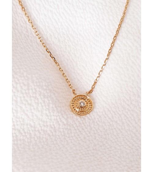 Collier en plaqué or avec une petite médaille ornée d'un oxyde de zirconium (longueur 45 cm réglable en 42 et 40 cm)