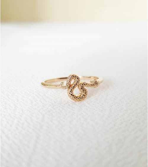 Bague en plaqué or avec motif serpent (1,3 cm) serti d'oxydes de zirconium
