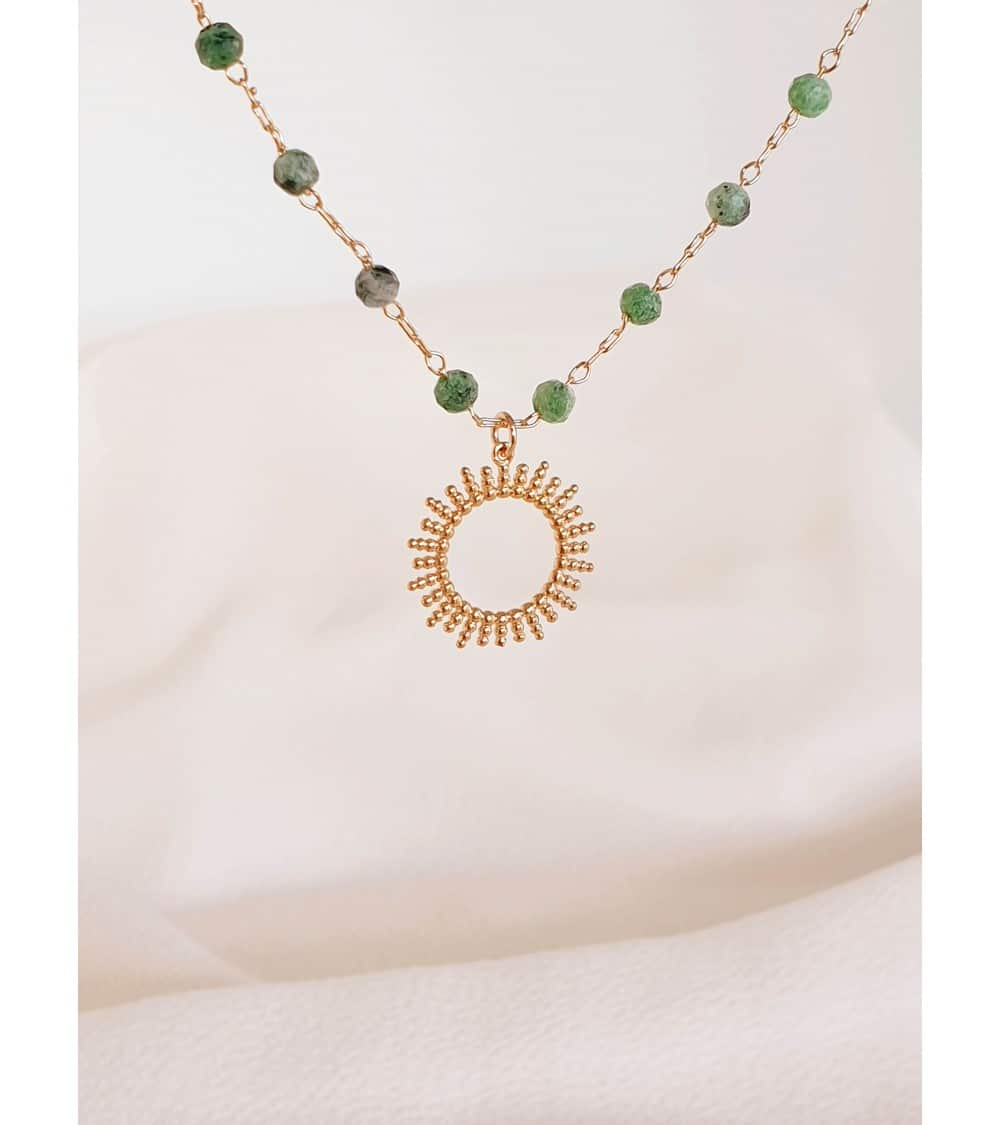 """Collier """"soleil"""" en plaqué or avec des pierres en rubis-zoïsite"""