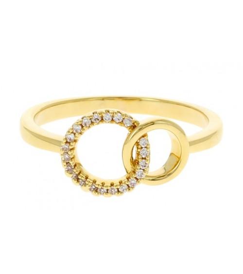 Bague en plaqué or à 2 anneaux entrelacés dont l'un serti d'oxydes de zirconium