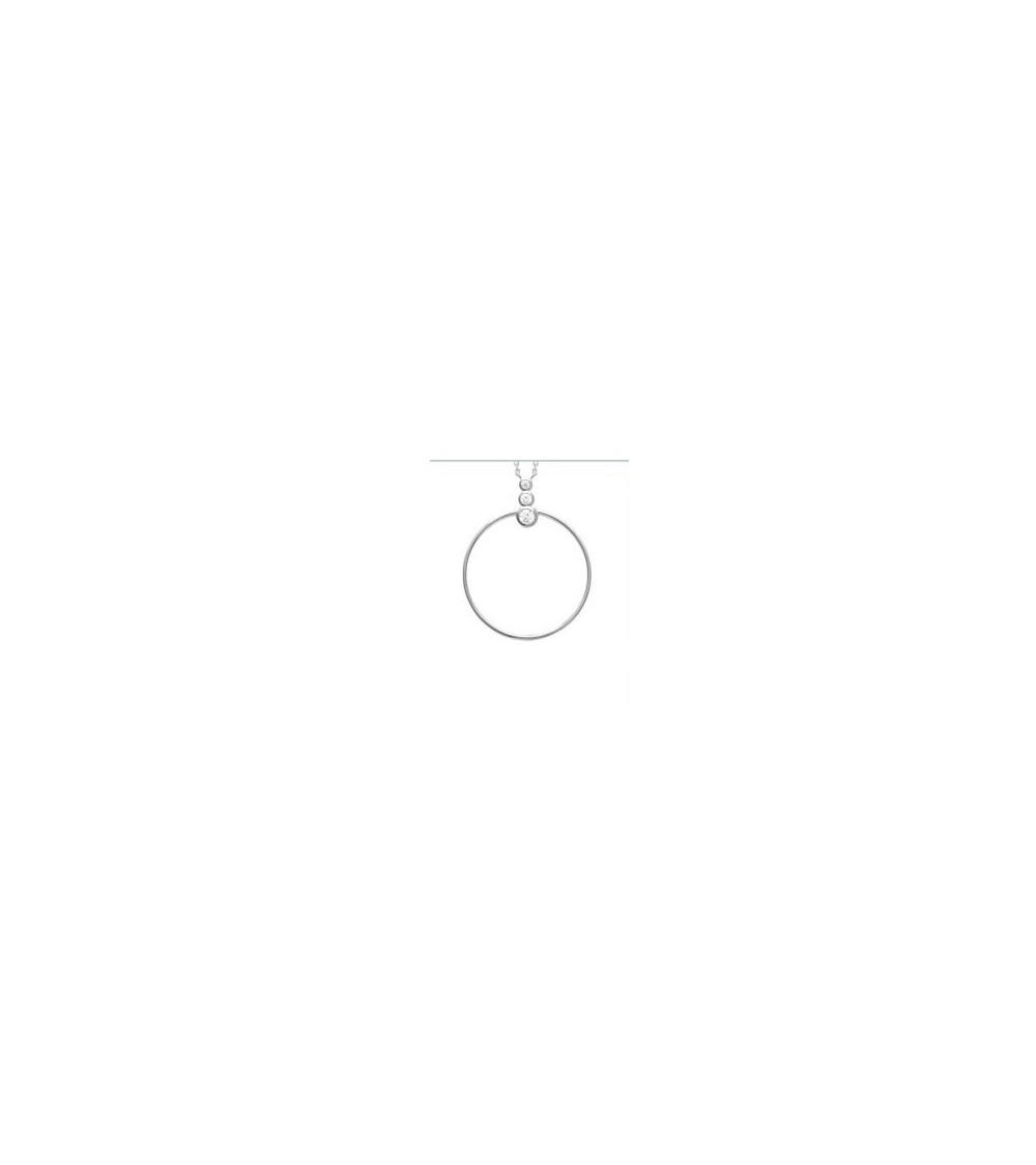 Collier en argent 925/1000 rhodié, avec un anneau surmonté de 3 oxydes de zirconium, en longueur 45 cm ajustable