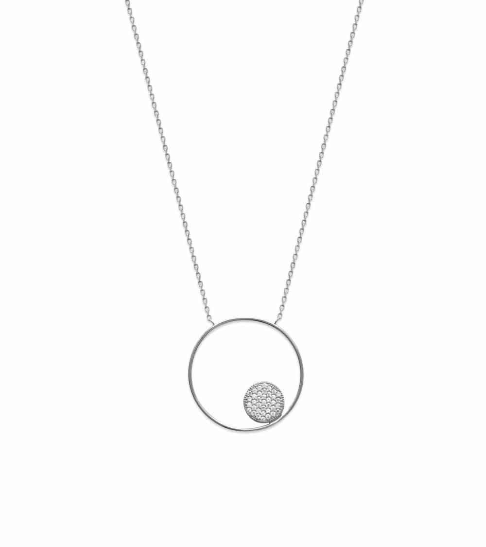 Collier en argent 925/1000 rhodié, avec anneau comportant une pastille sertie d'oxydes de zirconium