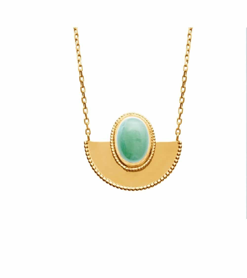 Collier demi-sphère en plaqué or surmontée d'un ovale en aventurine (longueur 45 cm réglable en 42 et 40 cm)