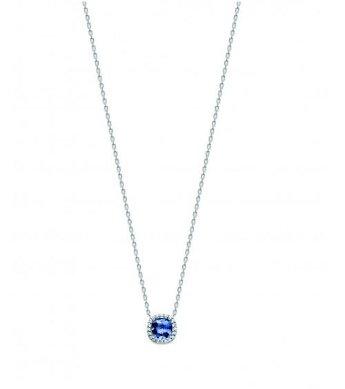 Collier en argent 925/1000 rhodié avec un carré en pierre de synthèse bleu saphir, entourée d'oxydes de zirconium
