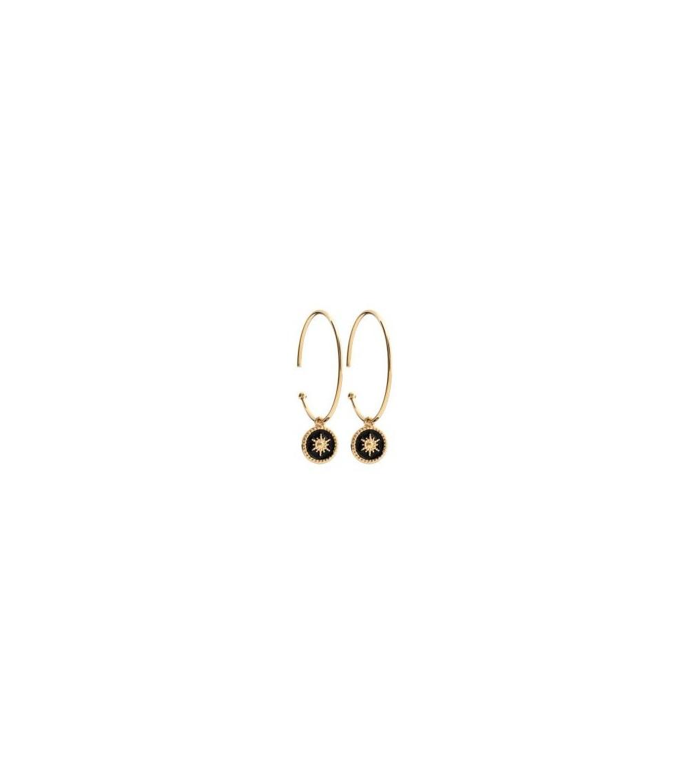 Boucles d'oreilles créoles ouvertes en plaqué or, avec une pastille étoilée pendante en émail noire