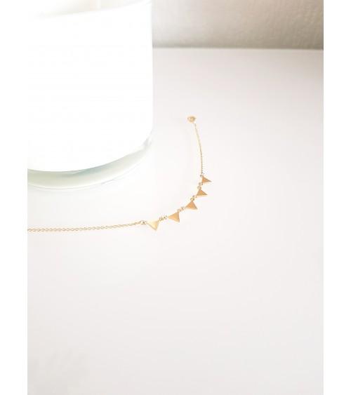 """Bracelet avec pampilles """"triangles"""" en plaqué or, en longueur 18 cm ajustable"""
