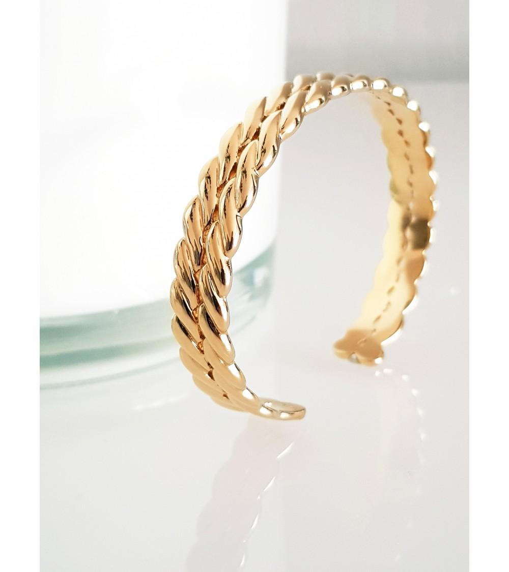 Bracelet rigide ouvert tressé en plaqué or (diamètre 58 cm)