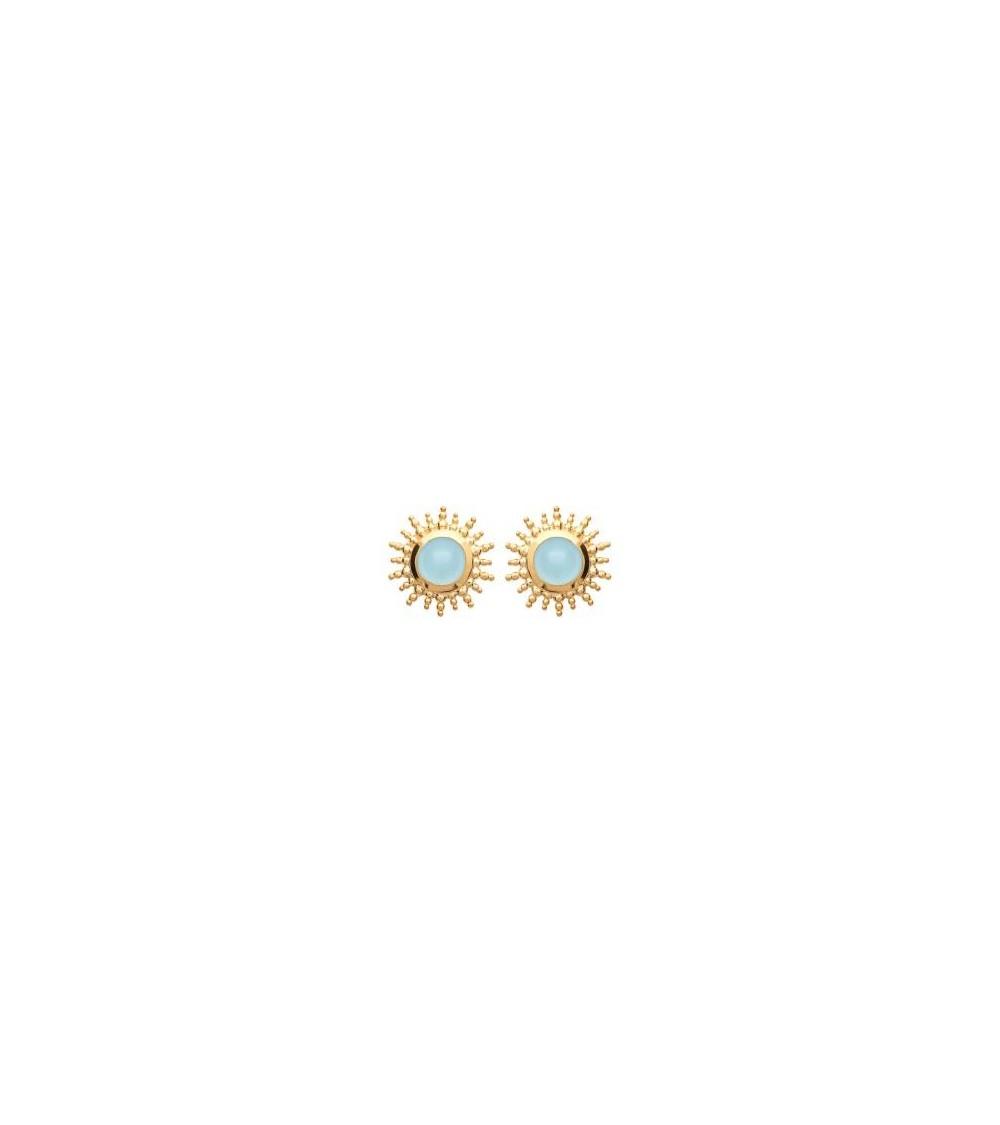"""Boucles d'oreilles """"soleil"""" en plaqué or avec en son centre une agate bleue, avec poussettes"""
