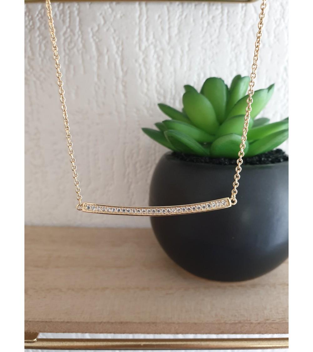 Collier en plaqué or avec barre sertie d'oxydes de zirconium, en longueur 40,5 cm