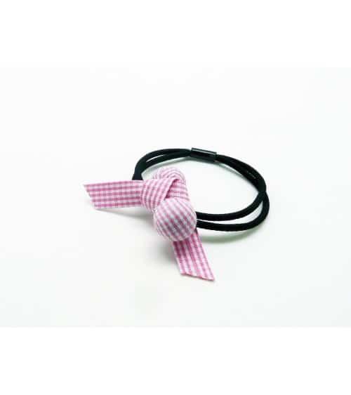 Chouchou élastique avec boule et nœud en tissu vichy rose