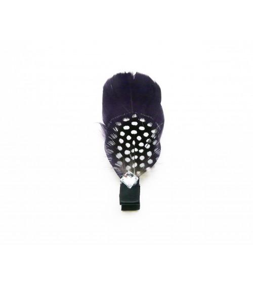 """Pince à cheveux """"plume"""" couleur violet et noir à pois blancs, avec un carré en strass"""