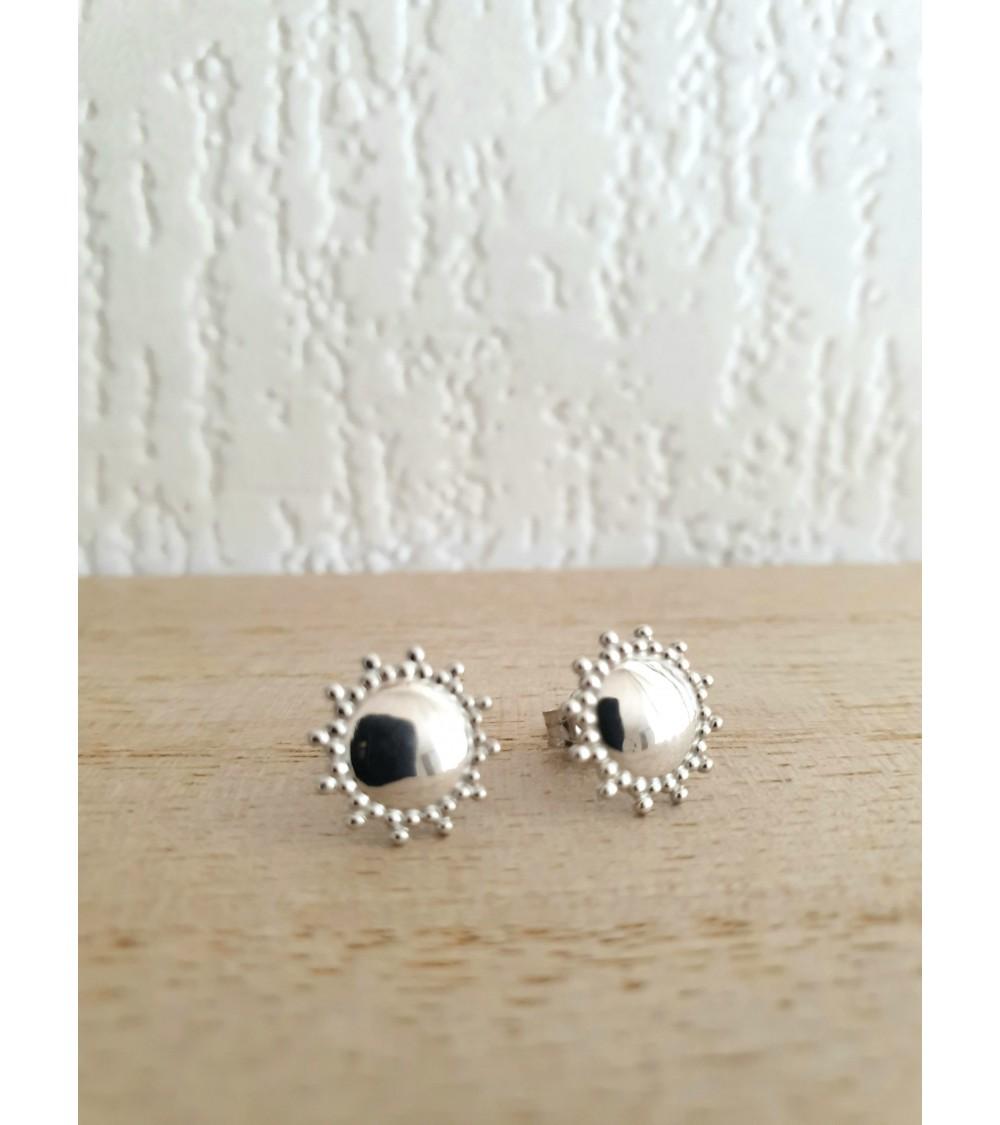Boucles d'oreilles rondes crantées sur l'extérieur en argent 925/1000 rhodié, avec poussettes