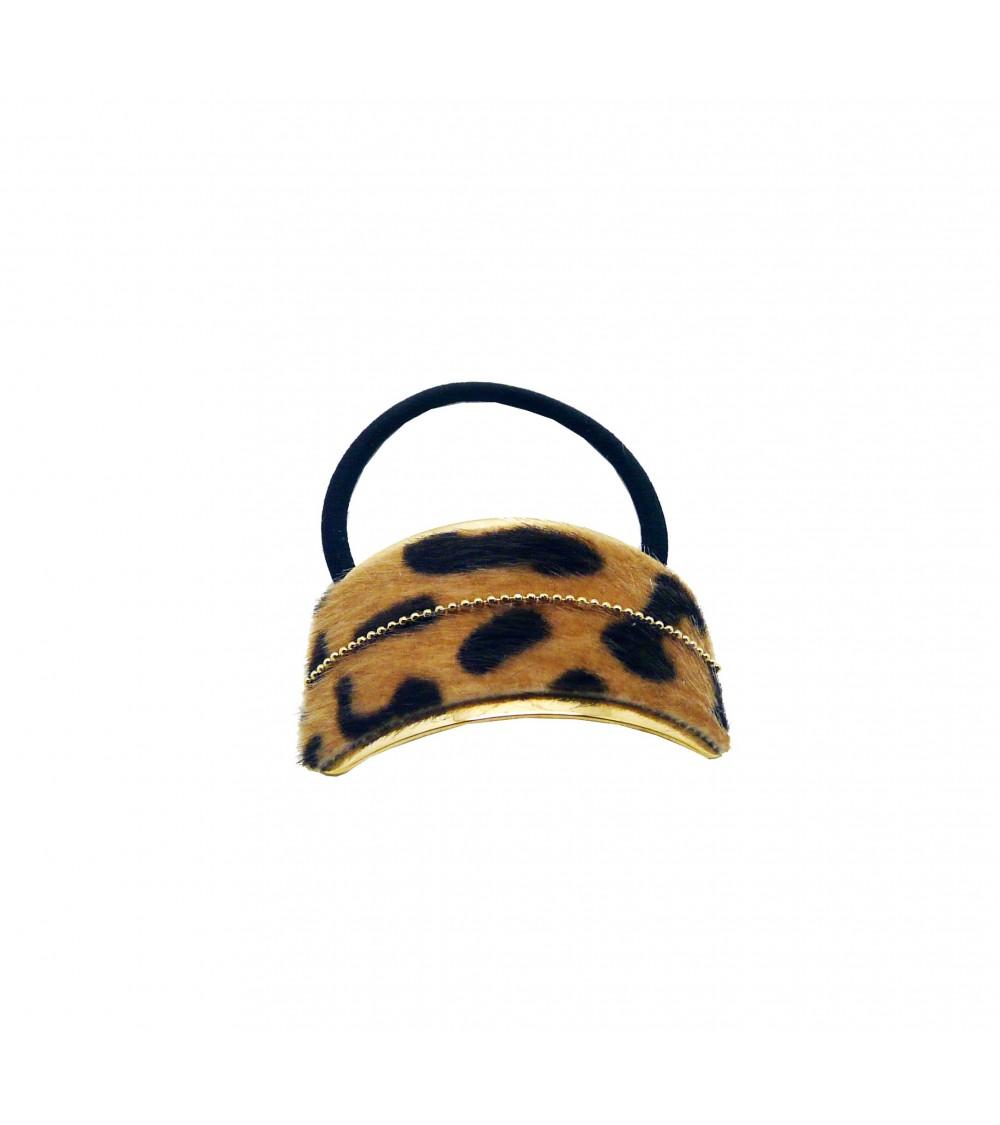 """Chouchou élastique avec plaque rectangle (6,5 cm sur 3 cm) en métal doré recouvert de fourrure synthétique """"léopard beige"""""""
