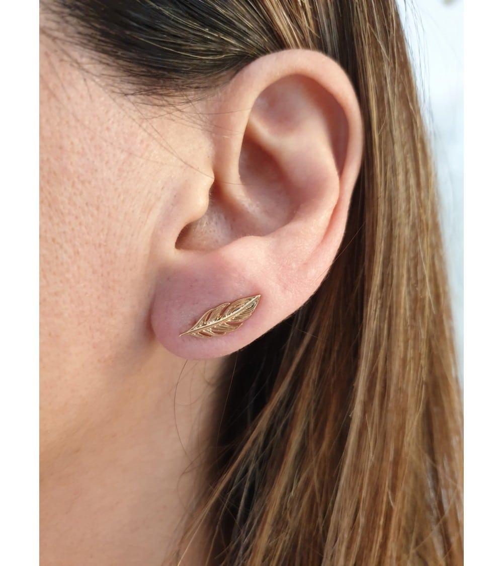 """Boucles d'oreilles """"contour d'oreilles"""" en plaqué or motif """"plume"""""""