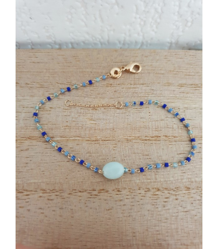 Bracelet en plaqué or, pierre amazonite ovale et perles de Miyuki, en longueur 18 cm réglable à 16 cm