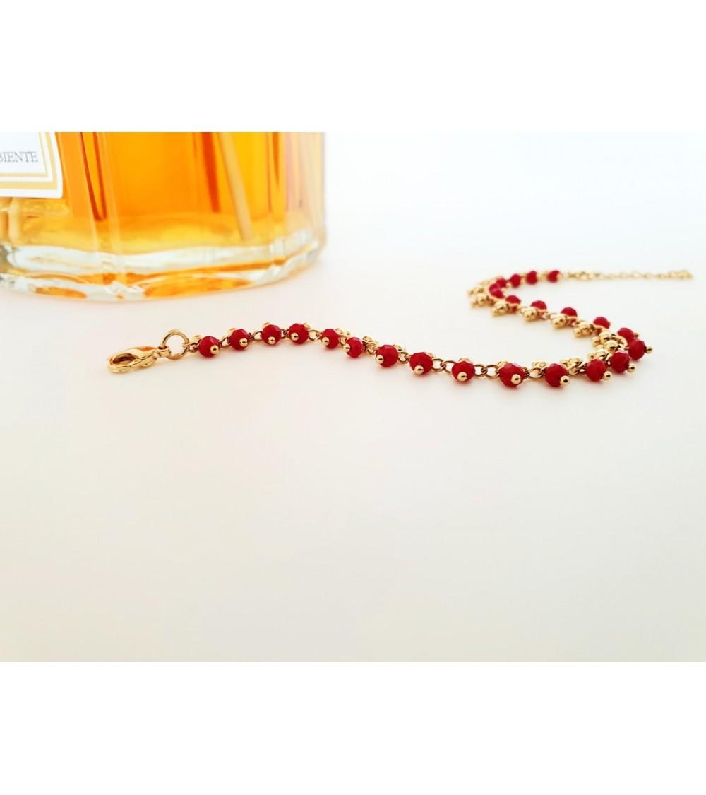 Bracelet en plaqué or avec pampilles en pierres rouges (longueur 17 cm + extension 3 cm)