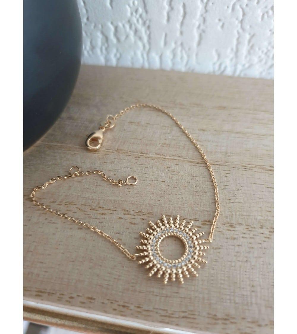 """Bracelet """"soleil"""" en plaqué or serti en son centre d'oxydes de zirconium (longueur 18 cm réglable à 16 cm)"""
