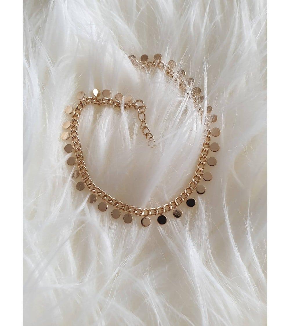 Bracelet en plaqué or , avec pampilles petites pastilles, en longueur 18 cm réglable à 16 cm
