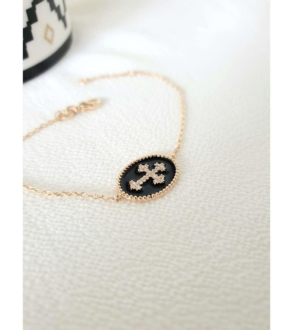 Bracelet en plaqué or avec croix en oxyde de zirconium sur émail noir, en longueur 18 et 16 cm