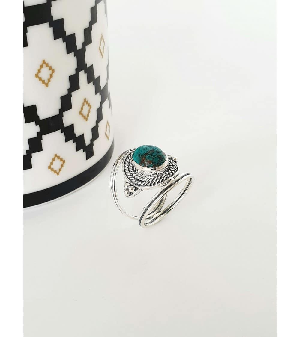 Bague en argent 925/1000ème de style ethnique avec une pierre turquoise