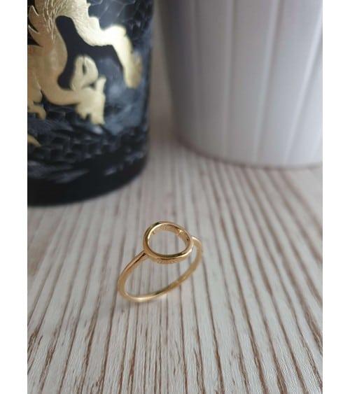 Bague avec rond troué en plaqué or