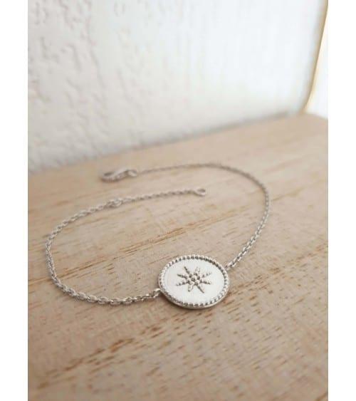 Bracelet en argent 925/1000 rhodié avec un rond incrusté sur une étoile, en longueur 18 cm réglable à 16 cm