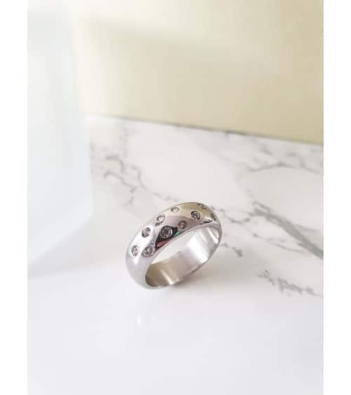 Bague anneau en acier et oxydes de zirconium